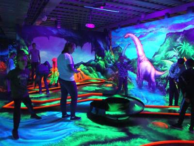 Glow in the dark minigolf.